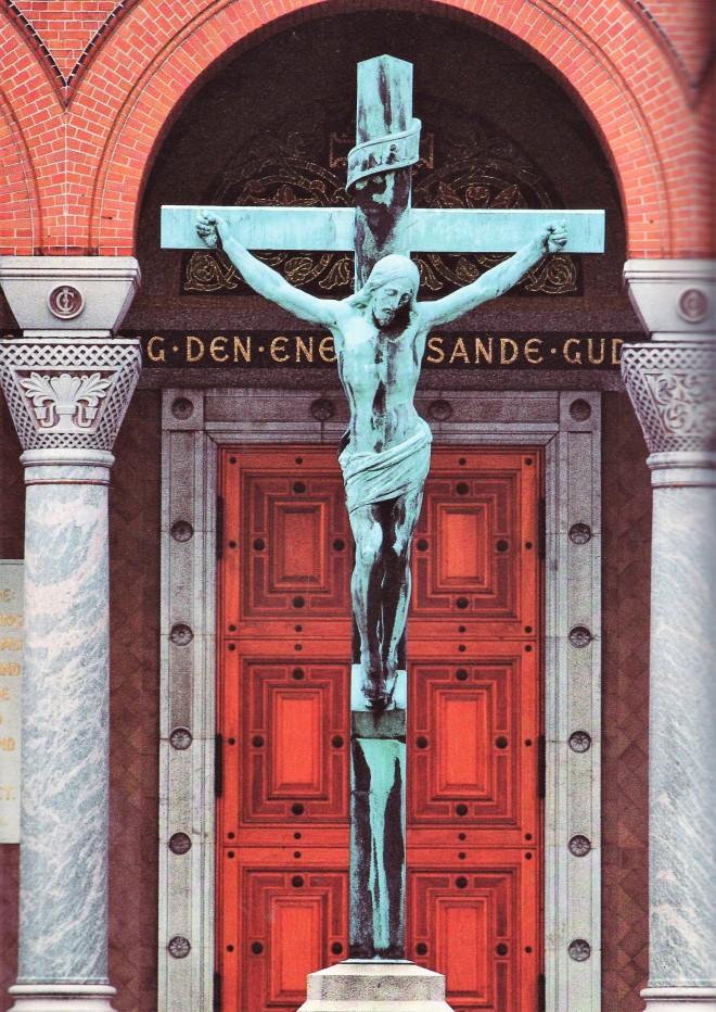 1853 J A Jerichau bronzekrucifiks, opst udenf Jesuskirken 1891-98.jpg