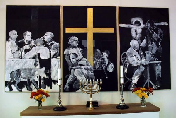 2006 Sys Hindsbo forslag til altertavle i Nazarethkirken. Nadverindstiftelse, korsfæstelse og Emmausmåltidet, lokalavis 136201_600_0_0_0_0_0